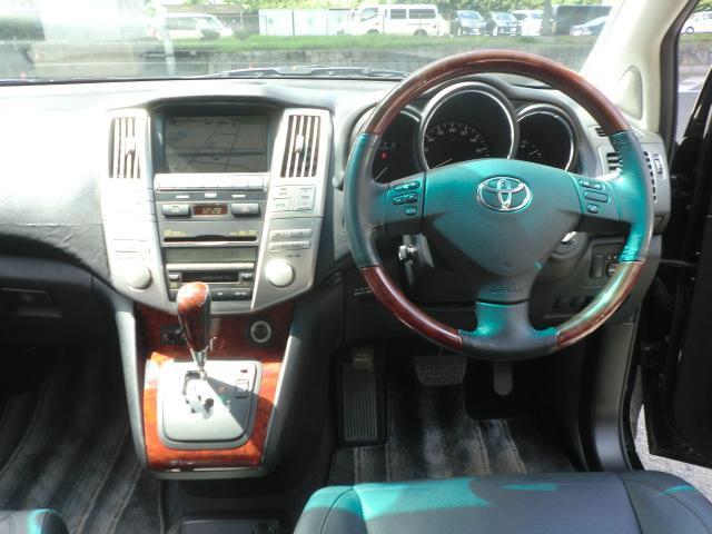トヨタ ハリアー 350G プレミアムLパッケージ マルチ 黒革 4WD