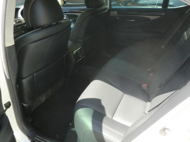 LS600h バージョンC Iパッケージ マルチ 黒革シート シートヒーター/クーラー レーダー(30枚目)