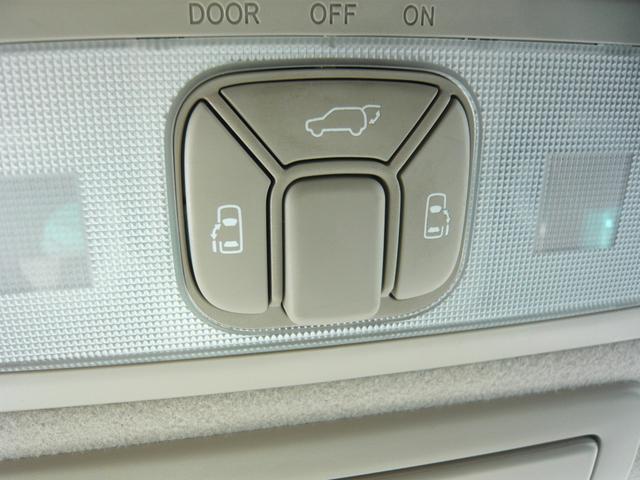 G レザーパッケージ メーカーHDDナビ地デジTV F・S・Rカメラ 電動格納サードシート 両側パワースライドドア パワーバックドア(23枚目)