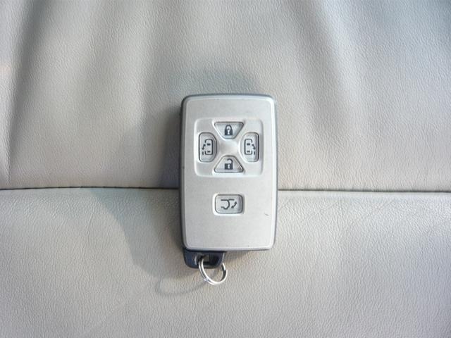 G レザーパッケージ メーカーHDDナビ地デジTV F・S・Rカメラ 電動格納サードシート 両側パワースライドドア パワーバックドア(34枚目)