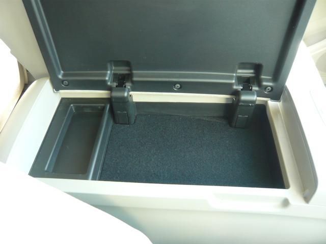 G レザーパッケージ メーカーHDDナビ地デジTV F・S・Rカメラ 電動格納サードシート 両側パワースライドドア パワーバックドア(40枚目)