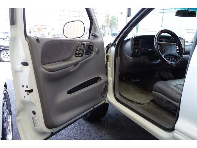 「ダッジ」「ダッジデュランゴ」「SUV・クロカン」「大阪府」の中古車18