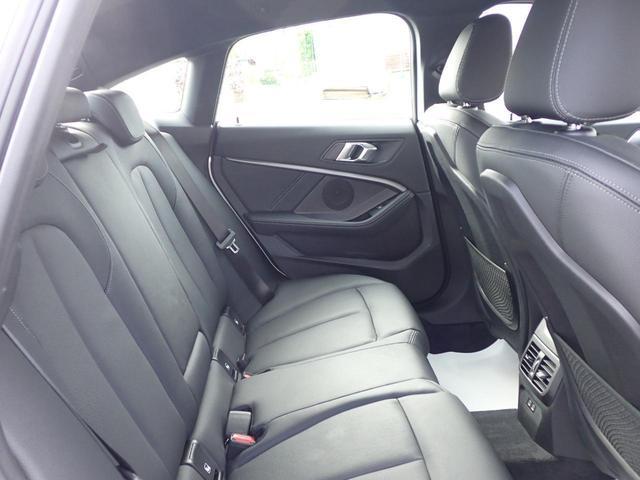 M235i xDriveグランクーペ ACC 黒革電動シート Mブレーキ 18インチAW デモカー フロント シート ヒーティング M スポーツ サスペンション M リアスポイラー(8枚目)
