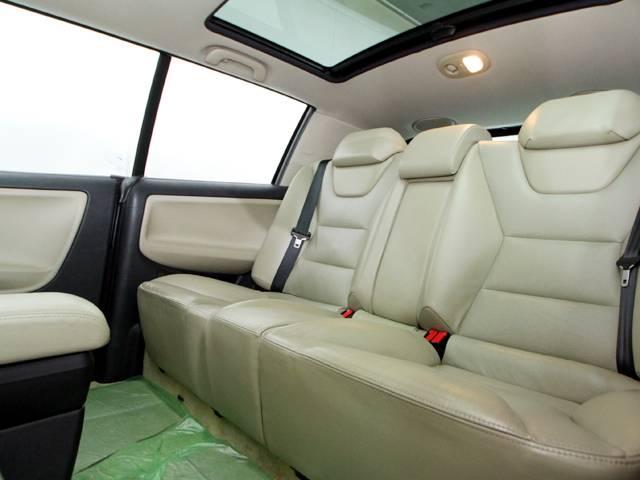 ■ベージュレザーシート・ガラスサンルーフ・シートヒーター・クルーズコントロール・バックセンサー・キーレスエントリー