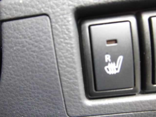寒い時期には嬉しい、運転席シートヒーターを装備しています。