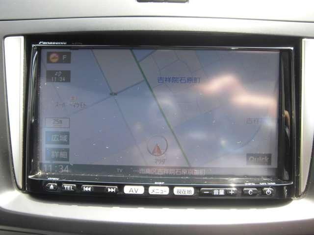 知らない場所へのお出掛けも、メモリーナビ&フルセグTV装備で安心です。