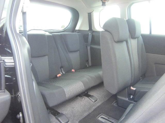 後部座席の乗り降りもしやすく、小さなお子様も安心です