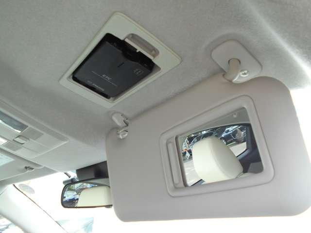 高速道路の料金所も、スムーズに通過出来る、ETC車載器も装備しています。