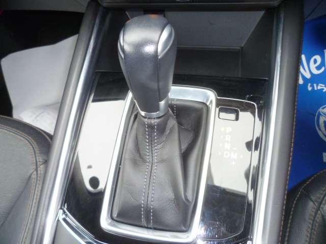 2.2 XD Lパッケージ ディーゼルターボ 4WD ワンオーナー 黒革シート シートヒーター パワーシート ETC 電動リアゲート(8枚目)