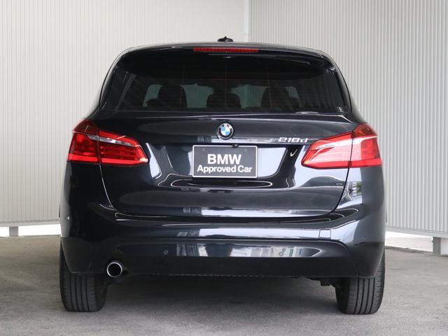 サービス工場では弊社の誇るBMWマイスター資格を取得した熟練メカニックを筆頭にBMWのプロフェッショナルがお客様のお車を整備いたします。