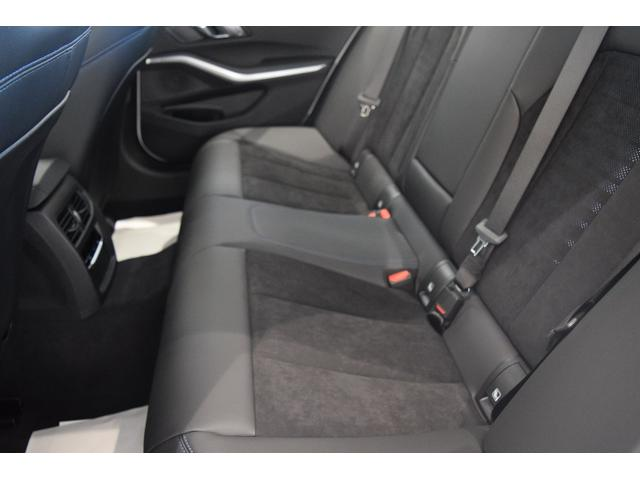「BMW」「3シリーズ」「セダン」「兵庫県」の中古車77