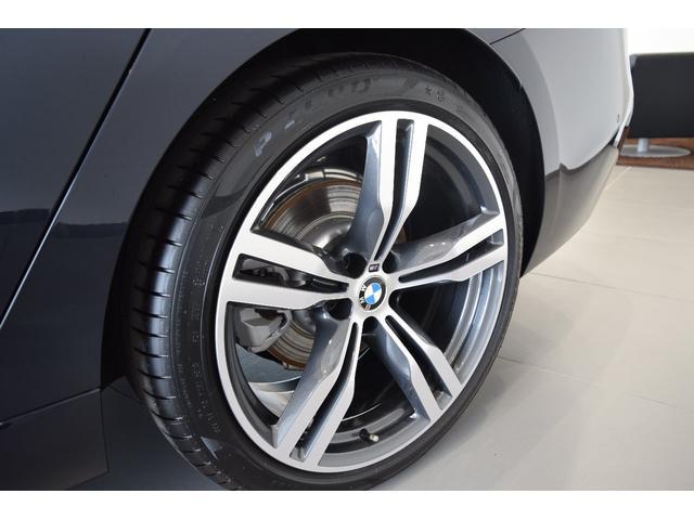 納車前整備費・認定中古車保証料金は車両価格に含まれております。その他諸費用・税金は別途必要になります