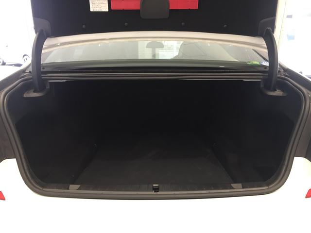 740i Mスポーツ ブラックレザーシート ガラスサンルーフ ヘッドアップディスプレイ アクティブクルーズコントロール 19インチアルミホイール マッサージ機能付パワーシート(33枚目)