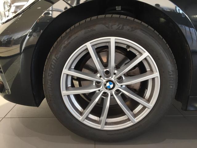 320d xDrive 弊社デモカー コンフォートアクセス シートヒーター 衝突被害軽減ブレーキ パーキングアシストアクティブクルーズコントロール 純正HDDナビ(20枚目)