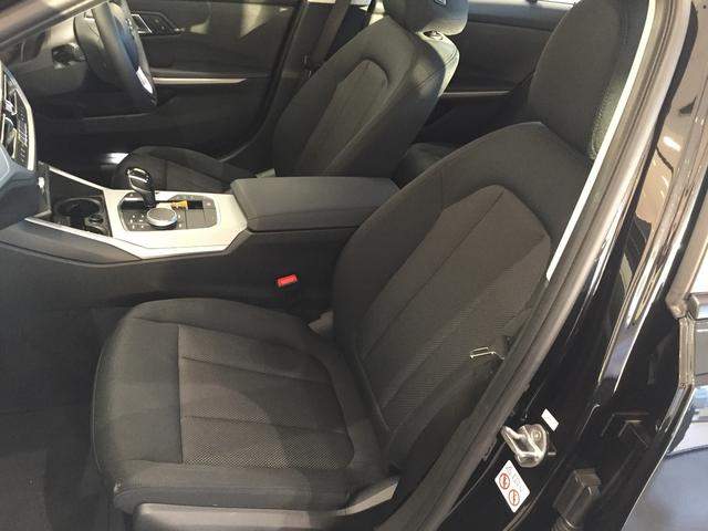 320d xDrive 弊社デモカー コンフォートアクセス シートヒーター 衝突被害軽減ブレーキ パーキングアシストアクティブクルーズコントロール 純正HDDナビ(40枚目)