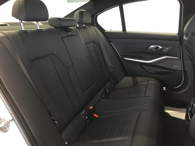 M340i xDrive ブラックレザーシート 純正19インチアルミホイール パーキングアシストプラス 衝突被害軽減ブレーキ レーザーライト 認定保証 全周囲カメラ 後退アシスト コンフォートアクセス ヘッドアップディスプレイ(52枚目)