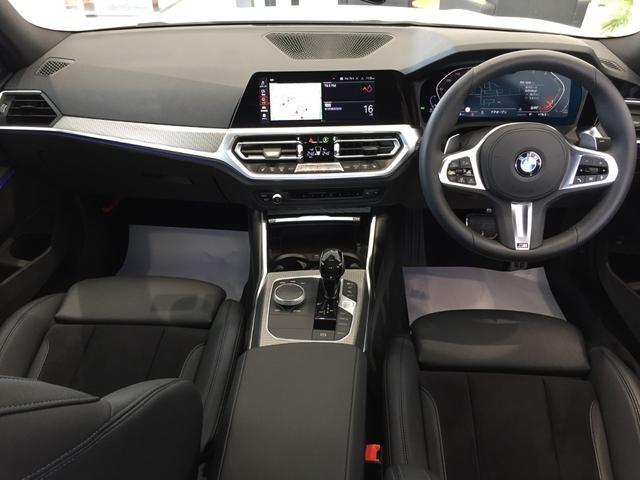 320d xDrive Mスポーツ パーキングサポート+ コンフォートパッケージ Mパフォーマンスパーツ オプション19インチアルミホイール 純正HDDナビ ワンオーナー 禁煙車 全周囲カメラ 電動リアゲート センサテックコンビシート(14枚目)
