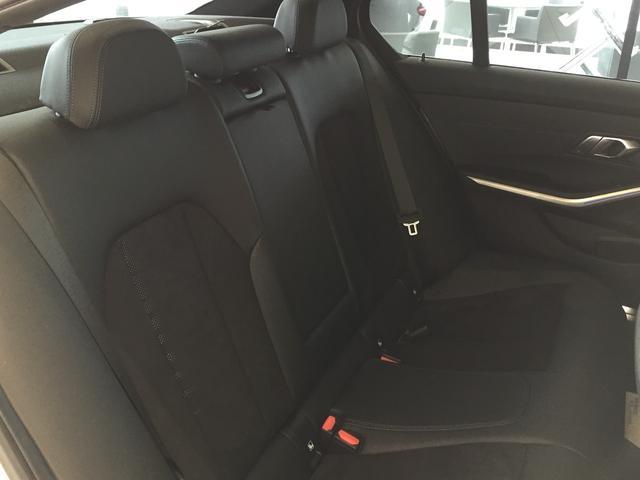 320d xDrive Mスポーツ パーキングサポート+ コンフォートパッケージ Mパフォーマンスパーツ オプション19インチアルミホイール 純正HDDナビ ワンオーナー 禁煙車 全周囲カメラ 電動リアゲート センサテックコンビシート(36枚目)