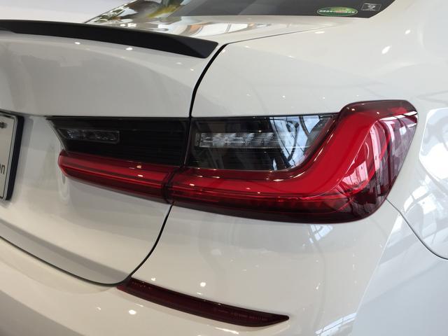 320d xDrive Mスポーツ パーキングサポート+ コンフォートパッケージ Mパフォーマンスパーツ オプション19インチアルミホイール 純正HDDナビ ワンオーナー 禁煙車 全周囲カメラ 電動リアゲート センサテックコンビシート(79枚目)