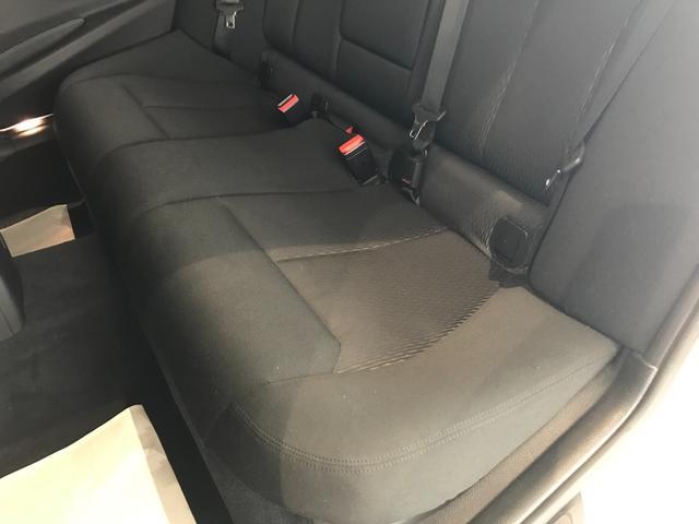 320d ワンオーナー LEDヘッドライト バックカメラ(PDC機能付き) ETC車載器 リアウインドウフィルム施工済み コンフォートアクセス アクティブクルーズコントロール メモリー機能付きパワーシート(52枚目)