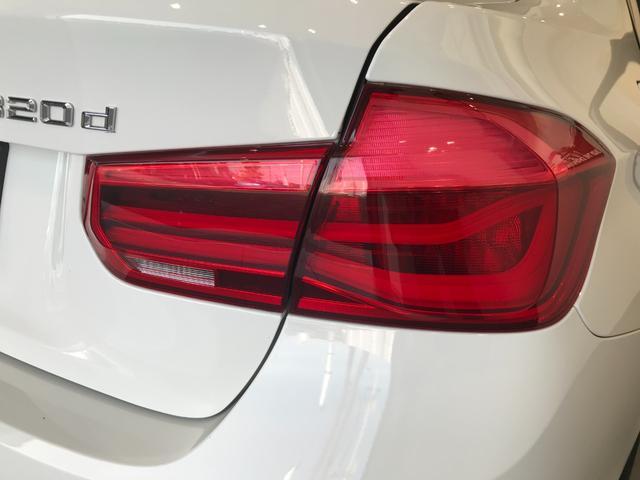 320d ワンオーナー LEDヘッドライト バックカメラ(PDC機能付き) ETC車載器 リアウインドウフィルム施工済み コンフォートアクセス アクティブクルーズコントロール メモリー機能付きパワーシート(63枚目)