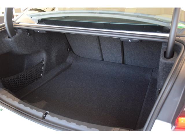 M340i xDrive ブラックレザーシート メモリー付きパワーシート パーキングサポートプラス 全周囲カメラ ステアリングサポート付きACC 前後PDC リバースアシスト 純正19インチアルミホイール ハーマンカードン(17枚目)