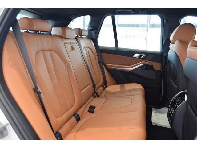 xDrive 45e Mスポーツ コニャックレザーシート 4席シートヒーター ジェスチャーコントロール ハーマンカードンサラウンドシステム 21インチアルミホイール クリスタルシフト 全周囲カメラ LEDヘッドライト Mブレーキ(13枚目)