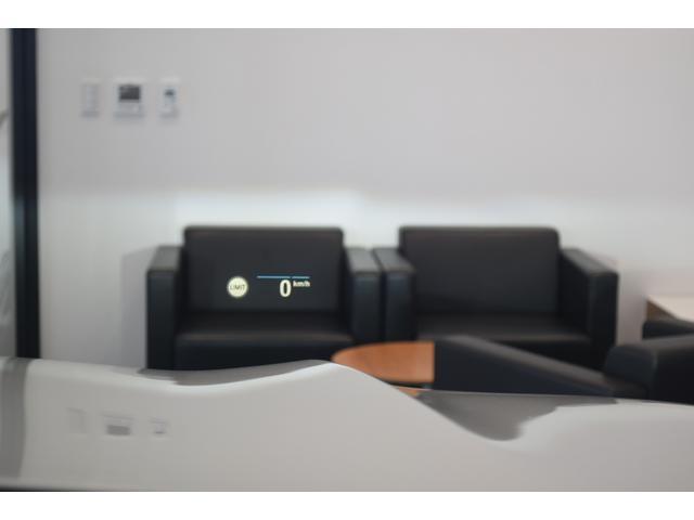 xDrive 45e Mスポーツ コニャックレザーシート 4席シートヒーター ジェスチャーコントロール ハーマンカードンサラウンドシステム 21インチアルミホイール クリスタルシフト 全周囲カメラ LEDヘッドライト Mブレーキ(34枚目)