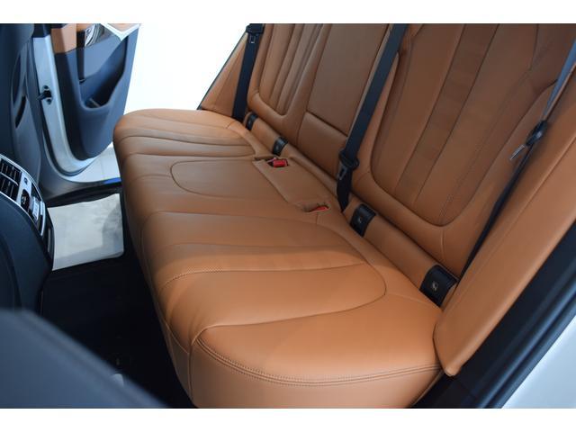 xDrive 45e Mスポーツ コニャックレザーシート 4席シートヒーター ジェスチャーコントロール ハーマンカードンサラウンドシステム 21インチアルミホイール クリスタルシフト 全周囲カメラ LEDヘッドライト Mブレーキ(52枚目)