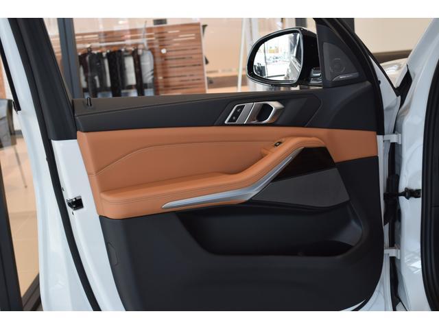 xDrive 45e Mスポーツ コニャックレザーシート 4席シートヒーター ジェスチャーコントロール ハーマンカードンサラウンドシステム 21インチアルミホイール クリスタルシフト 全周囲カメラ LEDヘッドライト Mブレーキ(58枚目)