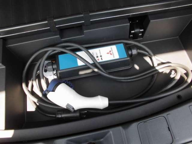 Gプラスパッケージ スマホ連携ナビ 全周囲カメラ クルコン LEDヘッド フルセグTV メモリーナビ 4WD シートヒーター 電動リアゲート サポカー バックカメラ ナビTV パワーシート(15枚目)