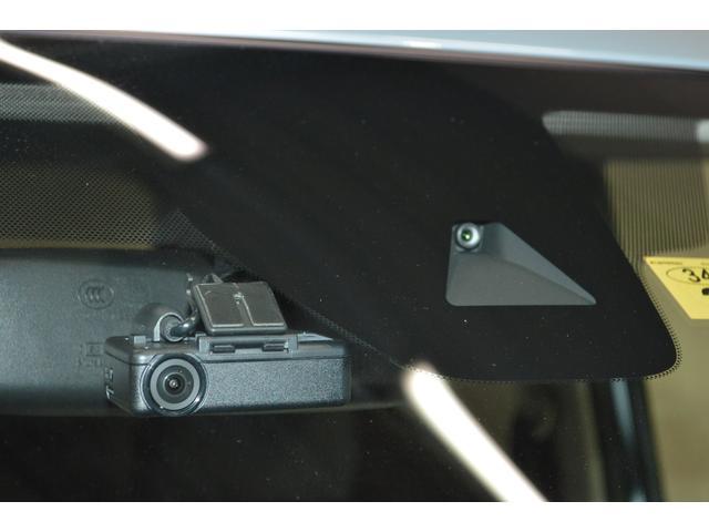 ドライブレコーダーを装備。万一のトラブルや予期せぬ事故が起こったときの事故原因解明や、スムースな事故処理等に役立ちます。
