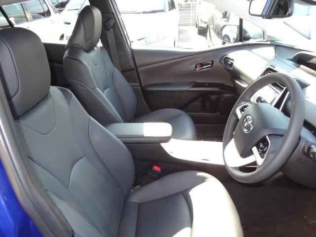 運転席、助手席に快適温熱シート!寒い日のロングドライブも快適に!