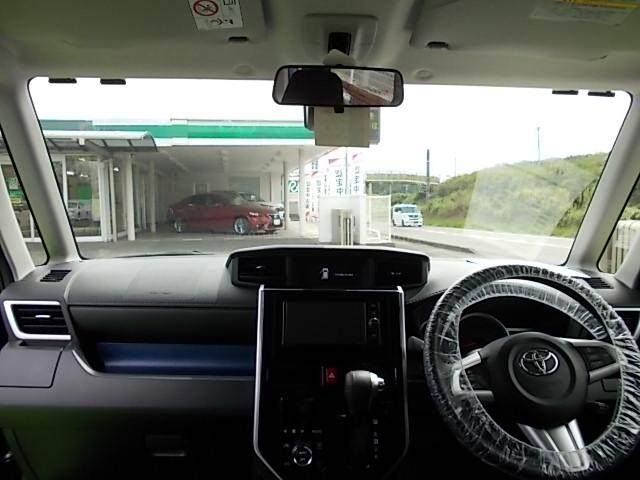 しっかりまとまった感のあるインパネ周りです。視界も広く運転しやすい車ですよ(^_^)/