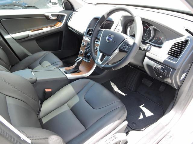 「ボルボ」「ボルボ XC60」「SUV・クロカン」「大阪府」の中古車16