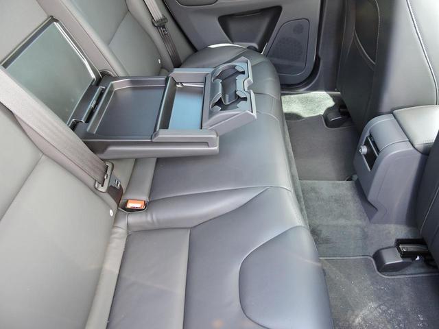 「ボルボ」「ボルボ XC60」「SUV・クロカン」「大阪府」の中古車19