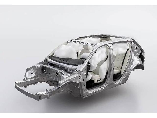 D4 SE 2016モデル ディーゼルターボ ブラックレザーシート フロントシートヒーター 追突回避軽減ブレーキ キーレス バックカメラ 17インチAW ワンオーナー禁煙車 VOLVO SELEKT(37枚目)