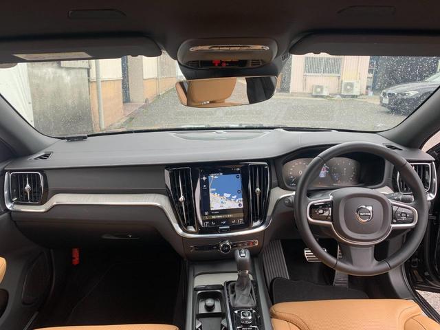 T5 インスクリプション 2019モデル ヘッドアップディスプレイ ハーマンカードンサウンドシステム Rデザインフロントグリル Rデザイン調エクステリア LEDヘッドライト ワンオーナー禁煙車 VOLVO SELEKT(2枚目)