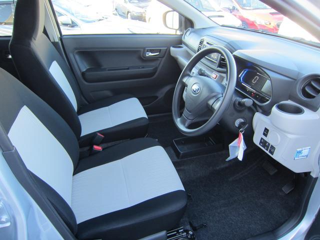 室内空間は広々しており、長時間のドライブでも快適に過ごして頂けます。
