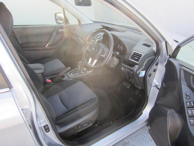 疲れにくいシート。乗り心地とサポート性能を追求、運転の疲労を軽減し、正確な操作を支援します。長距離のドライブでも安心・集中して頂くことができます。