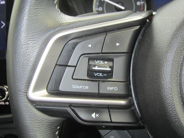 ステアリングオーディオリモコン。ボリュームや選曲等の主要なオーディオ操作を左手親指にて操作が可能です!前方の視界から目をそらさずに操作ができるので、安全運転に貢献します。