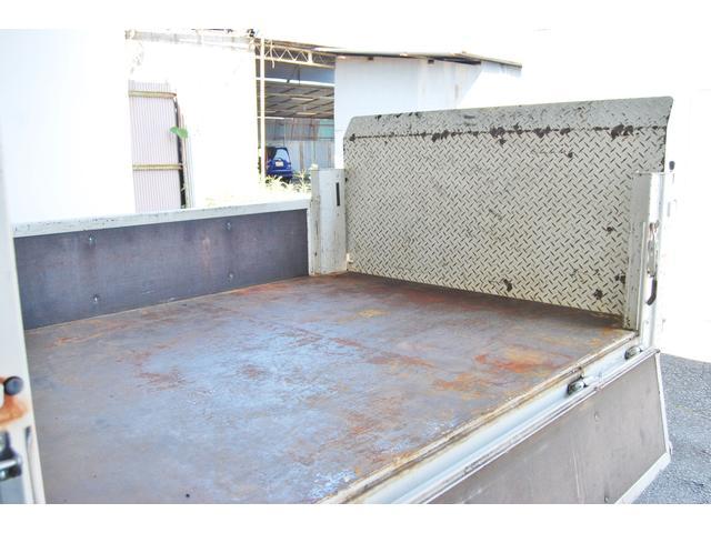 Wキャブ 600kg昇降PWゲート 1.05T 整備記録簿5枚 前後PW キーレス ETC 後Wタイヤ 排ガス浄化装置スイッチ装着車 荷台鉄板張り(9枚目)