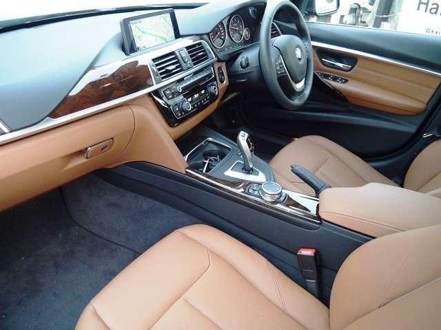 BMW BMW 320d ラグジュアリー弊社元デモカー茶革LEDライトACC