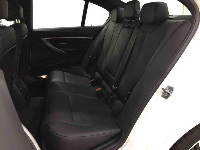 320dMスポーツエディションシャドー限定車黒革液晶メーター(13枚目)