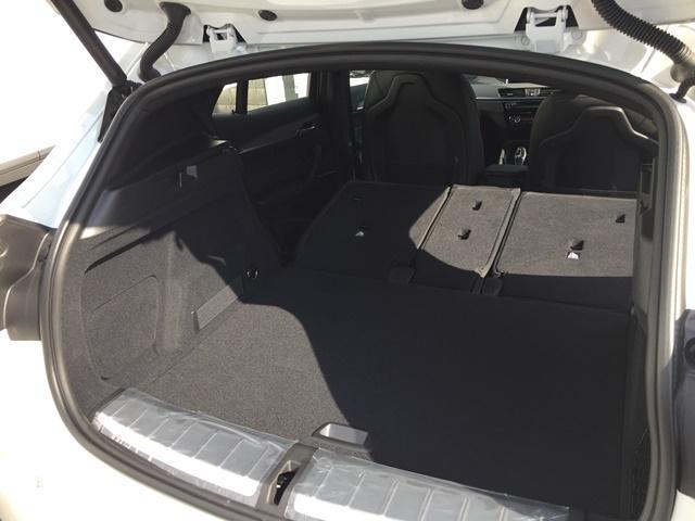 sDrive 18i MスポーツX登録済未使用車ACCLED(16枚目)