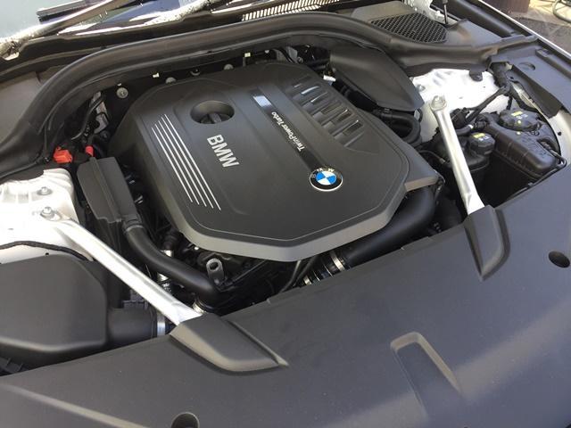 エンジンやトランスミッション、ブレーキなどの主要部分は、ご購入後2年間、走行距離に関係なく保証します。直通無料電話番号0066-9703-535002までお電話下さいませ。