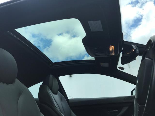 オプションLEDヘッドライト付サンルーフ付きの車両が入庫しました。