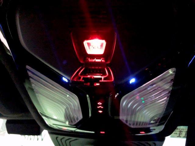 M40d ライブコクピットマルチメーター ワンオーナー セレクトパッケージ パノラマガラスサンルーフ ハーマンカードンサラウンド 黒革 ヘッドUPディスプレイ HDDナビ ACC フロントリアシートヒーター(47枚目)