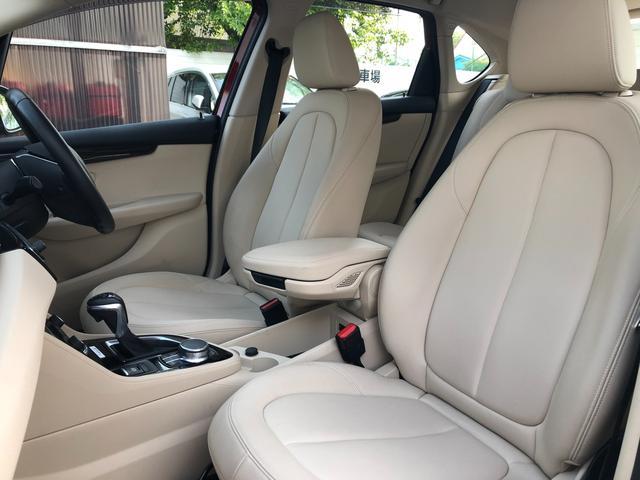 218iアクティブツアラーセレブレションEDファッシ ・認定保証・ワンオーナー・ベージュレザー・LEDヘッドライト・シートヒーター・衝突軽減ブレーキ・車線逸脱警告・純正HDDナビ・バックカメラ・電動テールゲート・Bluetooth・ミラーETC・F45(9枚目)
