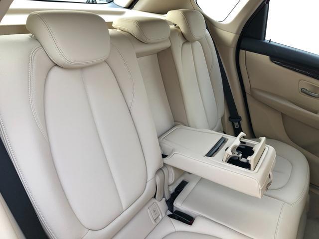 218iアクティブツアラーセレブレションEDファッシ ・認定保証・ワンオーナー・ベージュレザー・LEDヘッドライト・シートヒーター・衝突軽減ブレーキ・車線逸脱警告・純正HDDナビ・バックカメラ・電動テールゲート・Bluetooth・ミラーETC・F45(11枚目)
